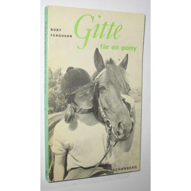 Gitte får en pony